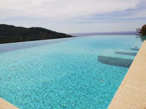 Piscinas con Infinity Pool